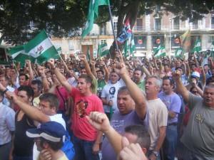 BANDERAS ANDALUZAS PARA LAS PERSONAS INVISIBLES
